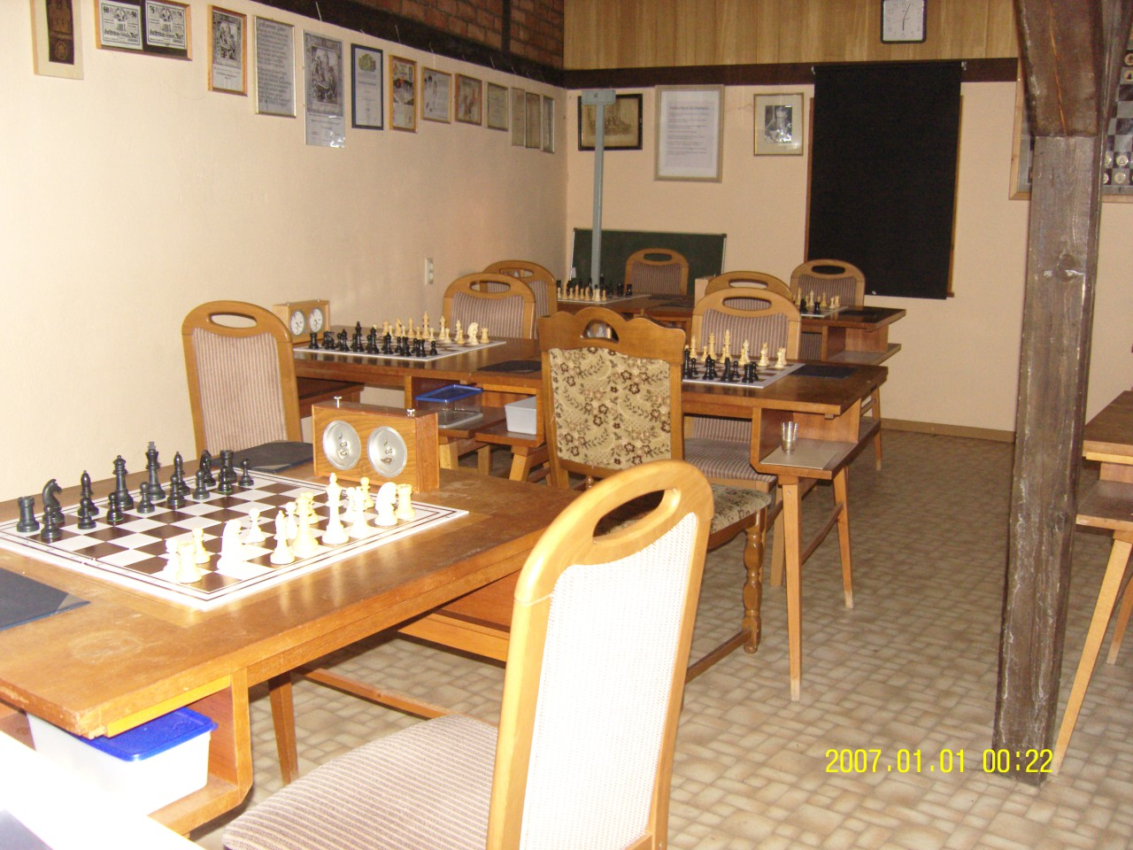 chess report ihm Gameknot chess player smokinghead (jens walter from bad bramstedt 53917720,9869263 no missiles please, germany) play chess online.